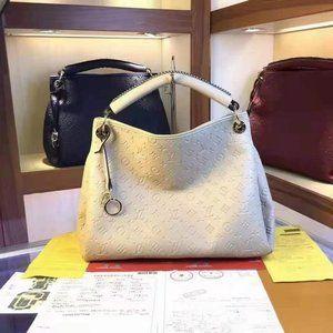 LV Artsy MM Monogram Bag